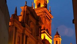 La Basilique de Menton, à la nuit tombante